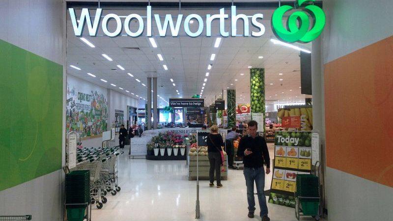 Australian shops ration booze to foil hoarders amid virus shutdowns