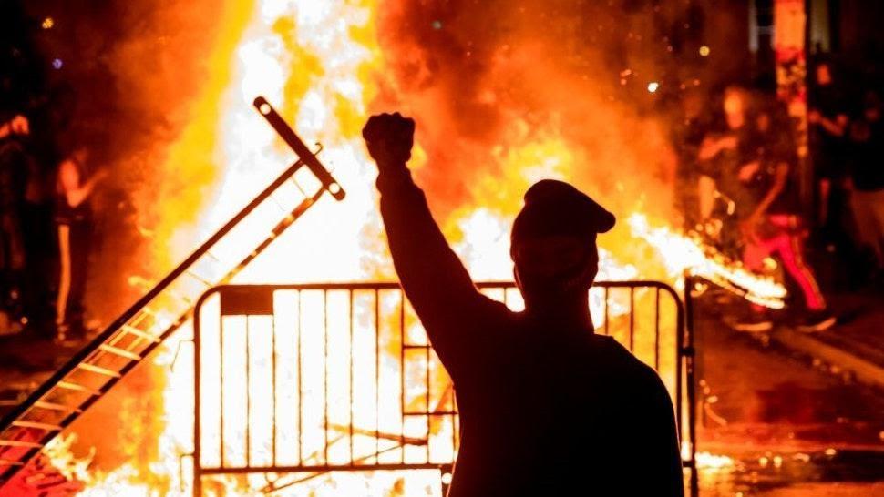 """Libs Cheered Riots but Trump Rallies…A """"Death Trap"""" – Such a Joke"""