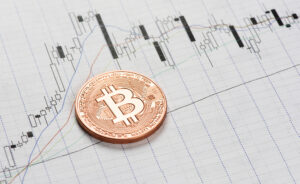 Bitcoin rises back to $11K despite signs of indecision in the market