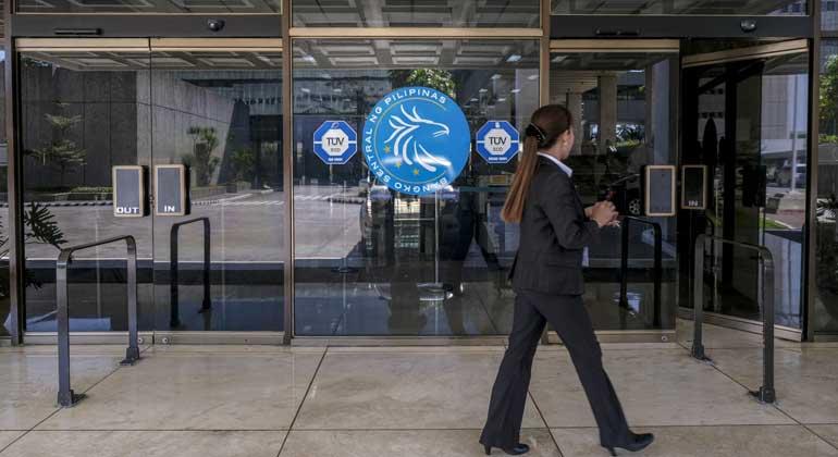 IMF backs lifting of bank secrecy