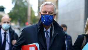 Michel Barnier to leave quarantine for final Brexit talks as deal is in sight