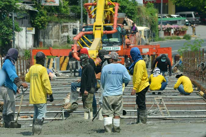 New COVID wave seen putting construction-led revival at risk
