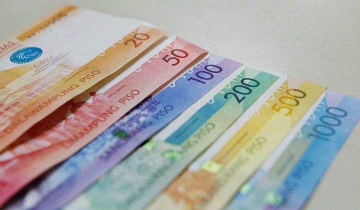 Peso climbs as focus turns to US leadership change