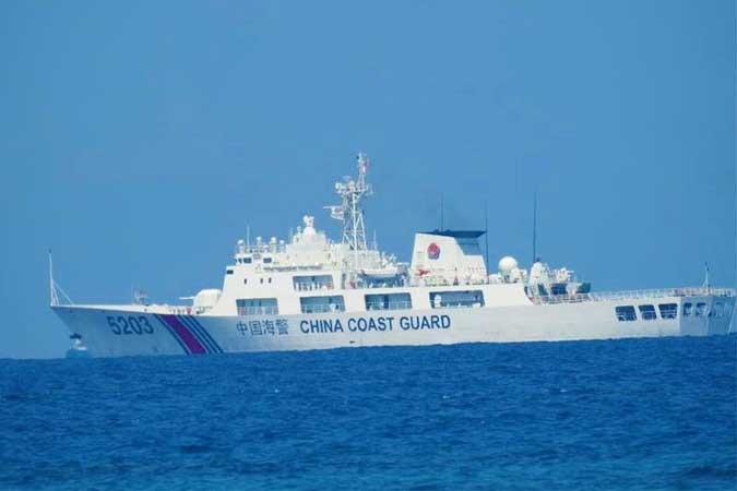 Fisherfolk urge navy to drive away China ships in disputed sea