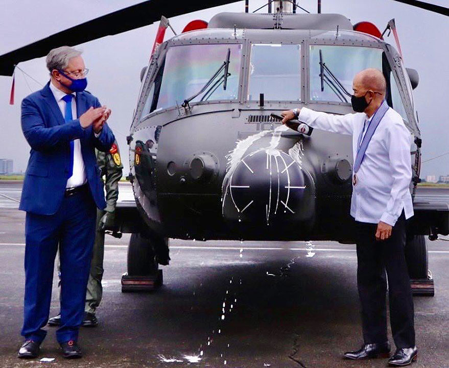 Philippines gets five Black Hawk helicopters from US, retires 10 Huey choppers